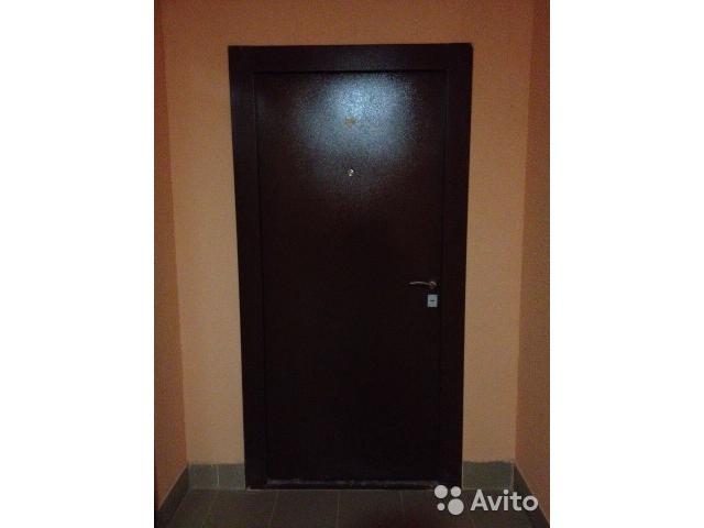 Дверь входная металлическая Б/У